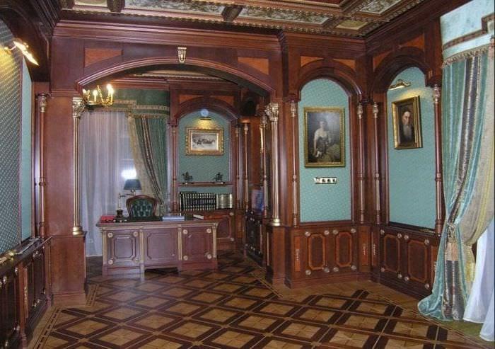 яркий декор спальни в стиле рокко