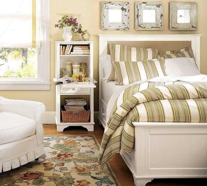 светлая белая мебель в стиле спальни