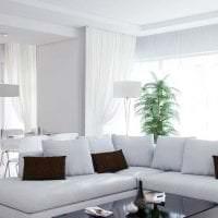 яркая белая мебель в дизайне прихожей картинка