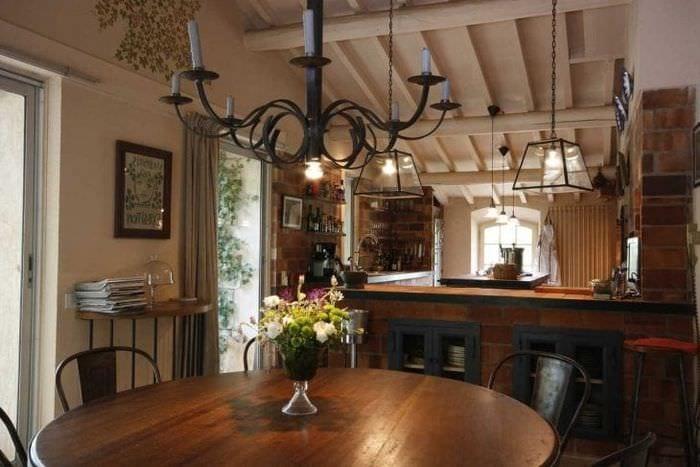 красивый декор гостиной в стиле кантри