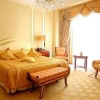 яркий дизайн гостиной в стиле барокко фото