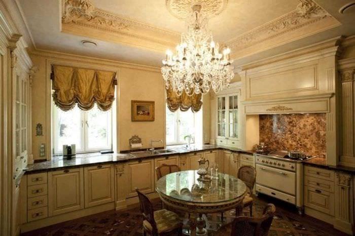 светлый дизайн элитной кухни в стиле модерн