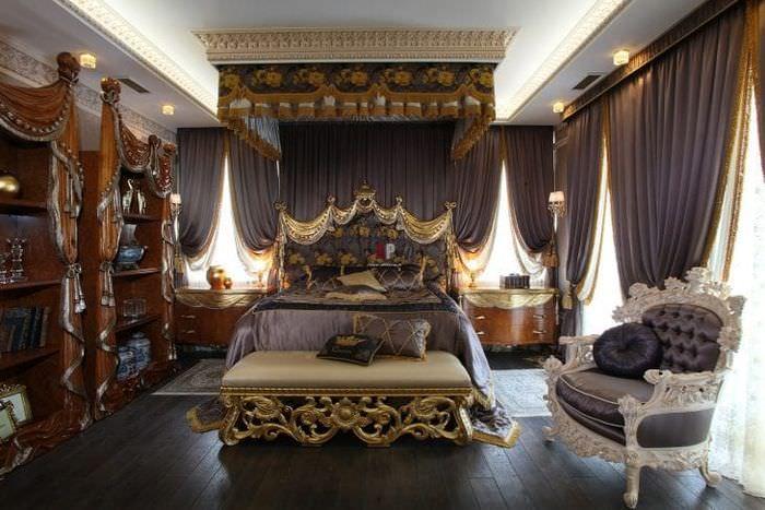 необычный декор ванной в стиле барокко