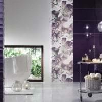 яркий декор гостиной в фиолетовом цвете фото