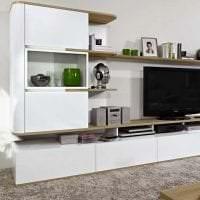 яркая белая мебель в интерьере квартиры картинка