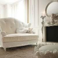 светлая белая мебель в декоре коридора фото