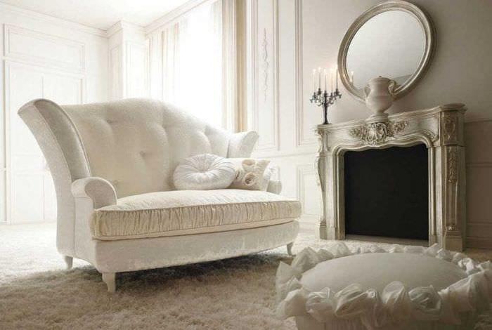 светлая белая мебель в дизайне кухни