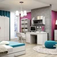 яркая белая мебель в интерьере гостиной фото