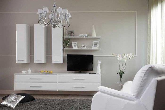 светлая белая мебель в стиле квартиры