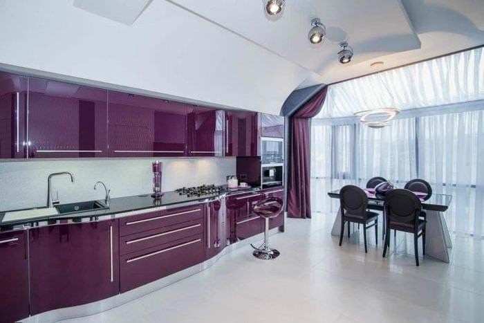 красивый фасад кухни в фиолетовом цвете