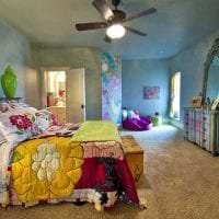 яркий декор спальни в стиле бохо фото