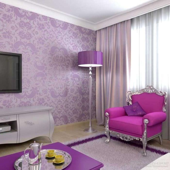яркий дизайн квартиры в фиолетовом цвете
