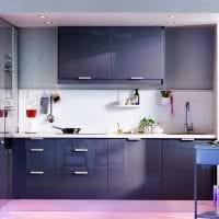 светлый интерьер кухни в фиолетовом оттенке картинка