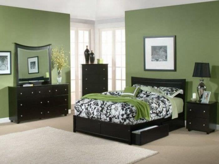 красивый фисташковый цвет в интерьере спальни