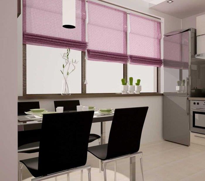 красивый интерьер коридора в фиолетовом цвете