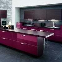 необычный стиль кухни в фиолетовом цвете картинка