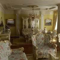 светлый интерьер кухни в стиле барокко фото