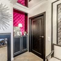 темные двери в стиле дома картинка