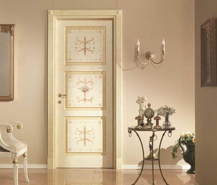 межкомнатные двери в декоре гостиной