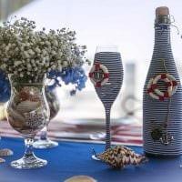 идея шикарного декорирования стеклянных бутылок шпагатом фото