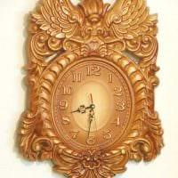 вариант красивого декорирования часов своими руками картинка