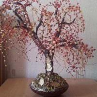 вариант оригинального украшения комнаты деревом своими руками картинка