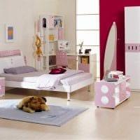 идея светлого декорирования детской комнаты картинка
