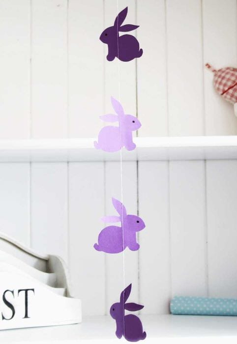 вариант шикарного декорирования комнаты бумагой