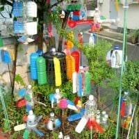 необычное украшение сада своими руками картинка