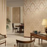 комбинирование красивых обоев в декоре гостиной комнаты картинка