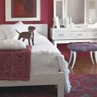 сочетание ярких оттенков в дизайне спальни фото