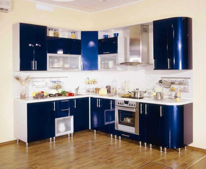 сочетание светлых оттенков в дизайне кухни