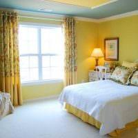 сочетание ярких цветов в стиле комнате фото