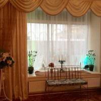 светлое украшение окон шторами фото