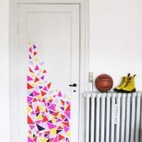 красивое украшение входных дверей своими руками картинка