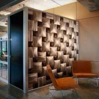 яркий дизайн комнаты со стеновыми панелями картинка