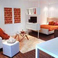 яркий декор гостиной спальни картинка
