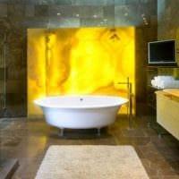 светлый гибкий камень в дизайне гостиной фото