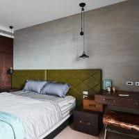 яркий дизайн квартиры со старыми чемоданами картинка