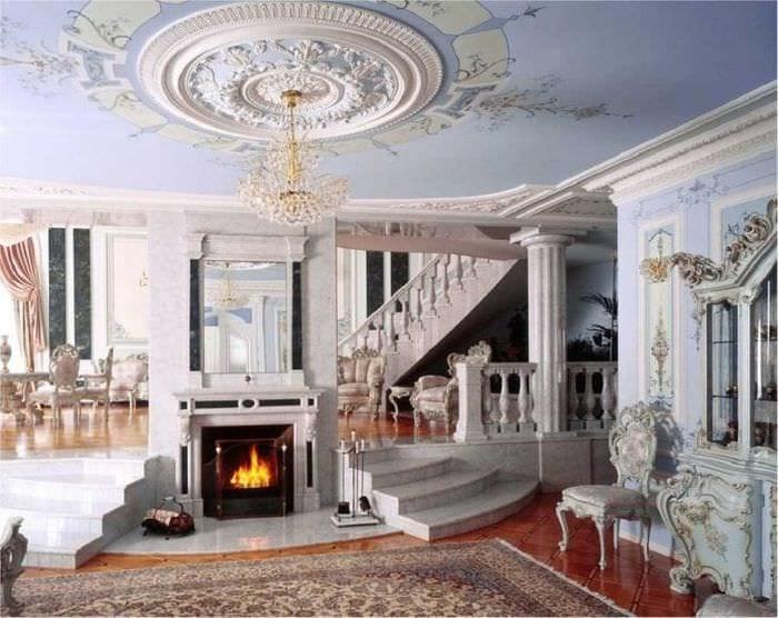 яркий декор спальни в викторианском стиле