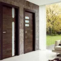 деревянные двери в дизайне квартиры картинка