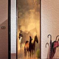 оригинальное декорирование дверей подручными материалами фото