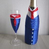 шикарное декорирование стеклянных бутылок декоративными ленточками картинка