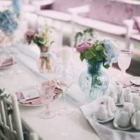 яркое украшение свадебного зала шариками картинка