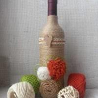 красивое украшение бутылок для интерьера квартиры фото