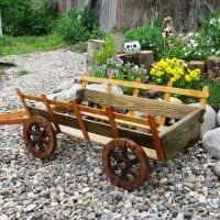 необычное создание декора загородного дома цветами фото