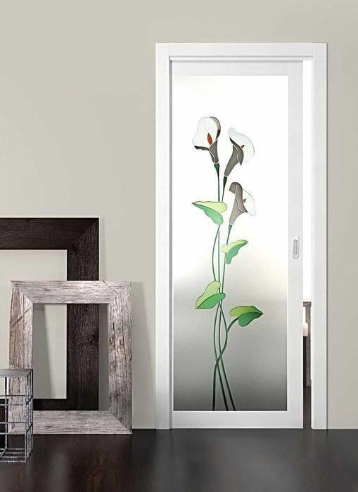 оригинальное декорирование межкомнатных дверей своими руками