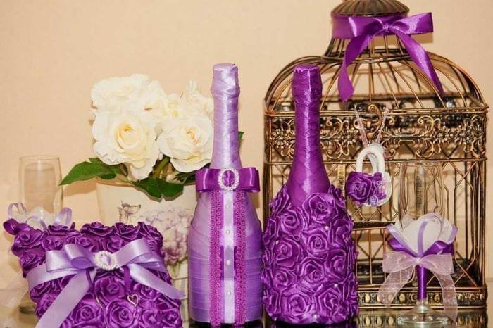 необычное оформление бутылок шампанского декоративными ленточками