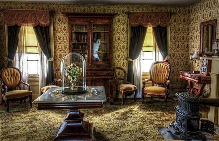 яркий декор квартиры в викторианском стиле