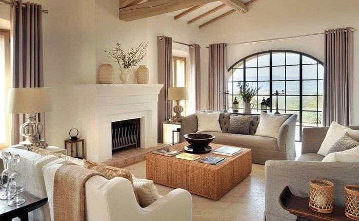 яркий дизайн квартиры в греческом стиле